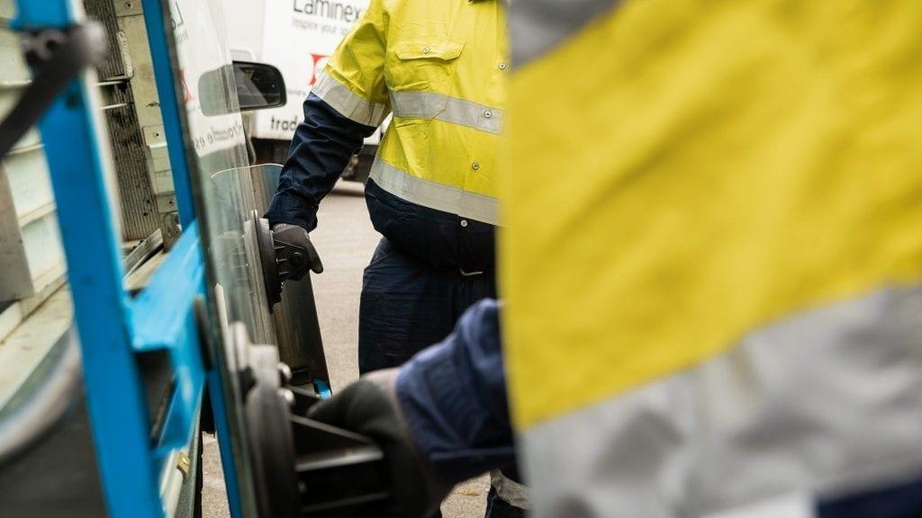Deans AutoGlass Perth Windscreen Replacement
