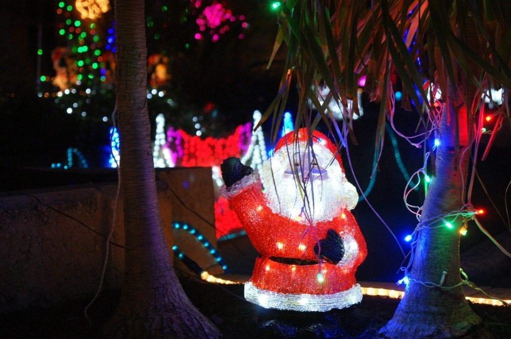 Consulate-Court-Christmas-light