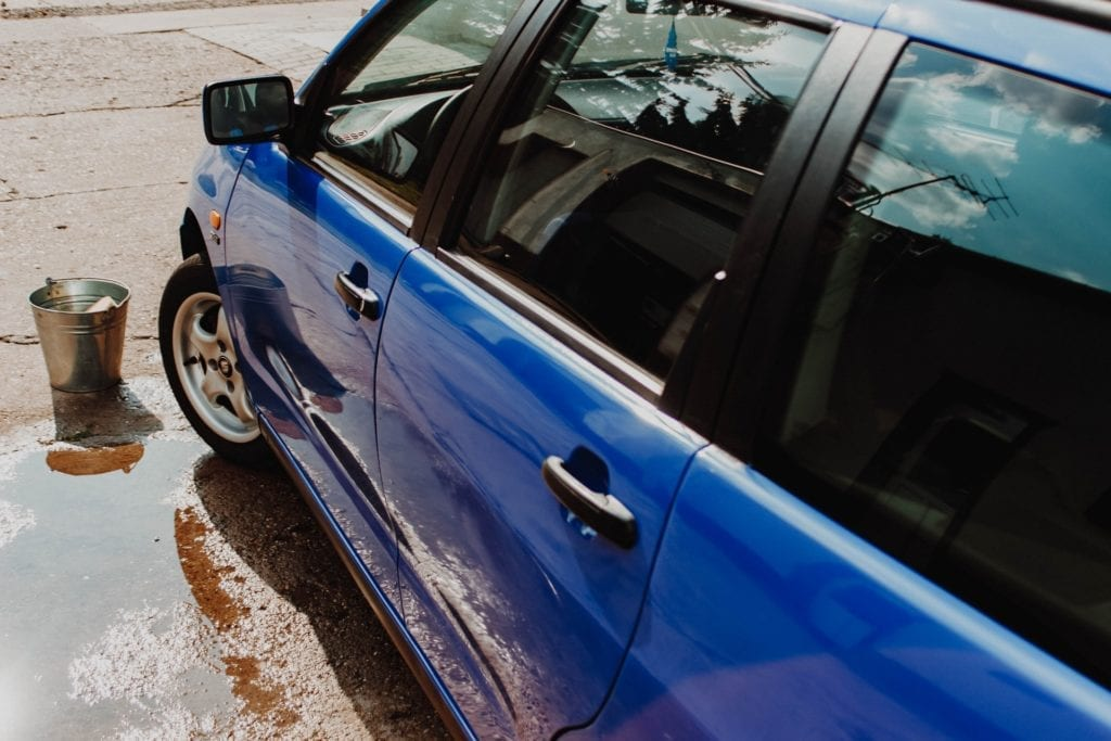 Things you can do to give yoru car a facelift - Washing your car to make it look nicer